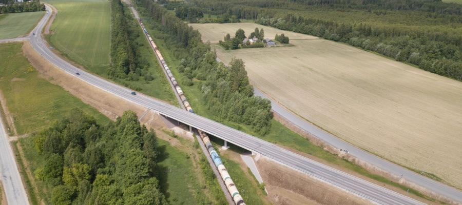 Kaarepere viadukt - ohutu raudteeriste